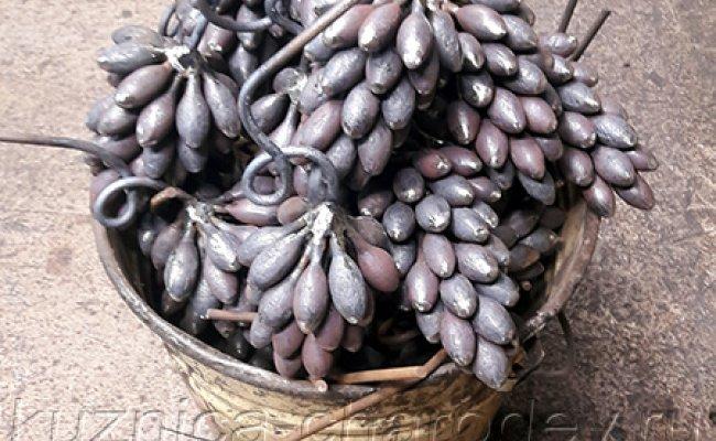Грозди винограда, элементы кованых перил