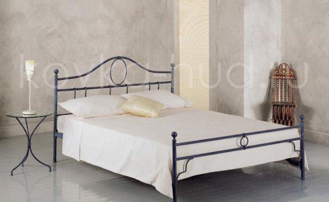 Классическая кровать кованая kkk-0610