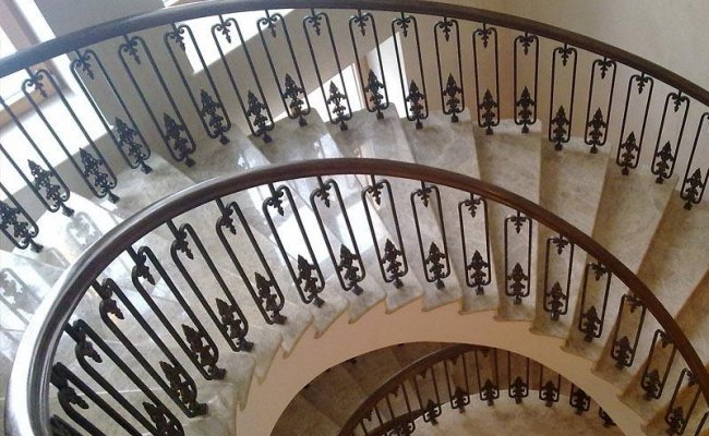 Лестница кованая kl-02