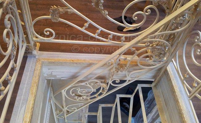 Перила художественной ковки, лестница вниз