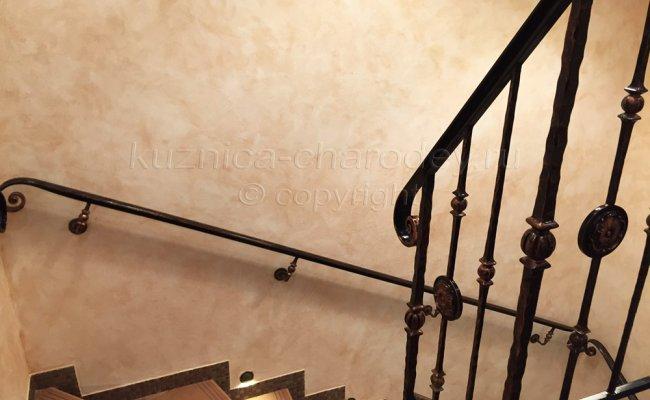 Перила кованые для лестницы изготовленные на заказ