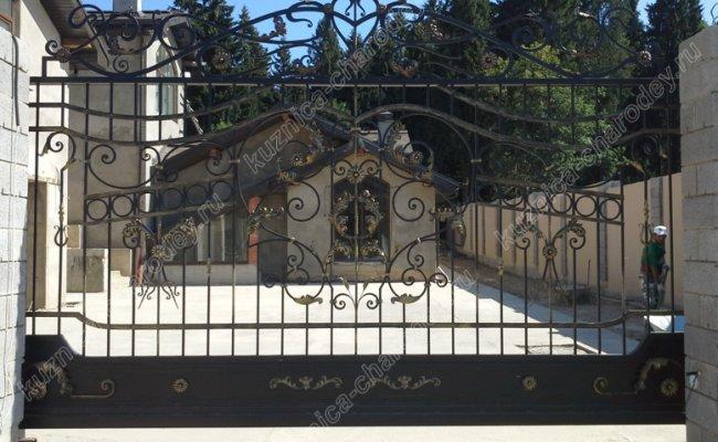 Автоматические кованые ворота