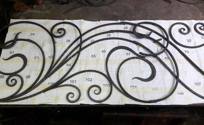 Примерка элементов кованых перил на эскизе