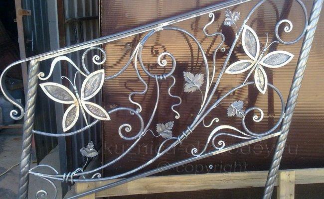 Перила кованые с элементами бабочки