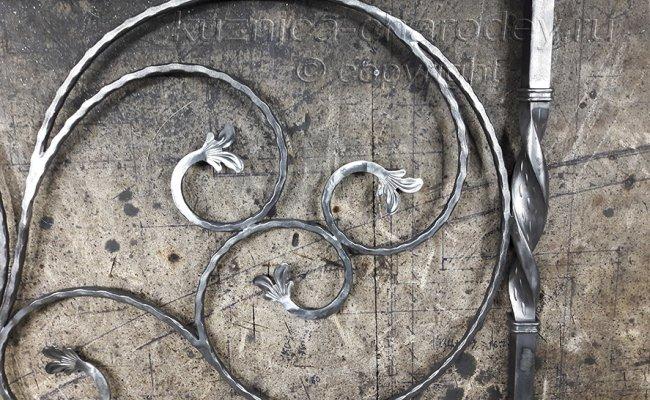 Элементы кованых изделий в кузнице