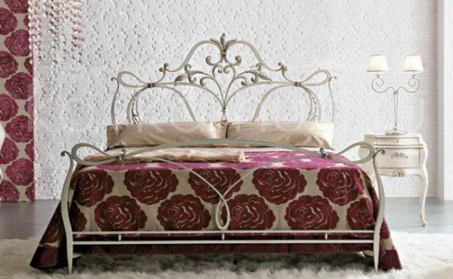 Роскошная кровать кованая rk-0935
