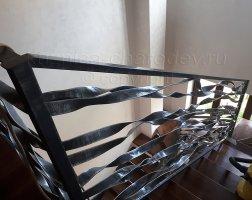 Кованые перила из металлической полосы