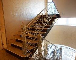 Ажурные перила лестничные кованые