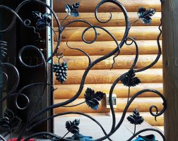 Лестничное кованое ограждение - лоза виноградная