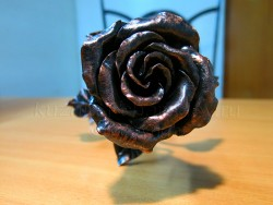 Роза кованая медная 3